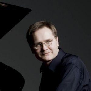 Misha Fomin, piano
